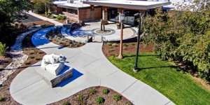 Penn-State-York-Campus-Lion-Entrance-Sidewalks-Seating-ELA-Group-Engineers-Designers