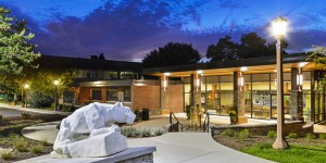 ela-group-courtyard-design-plaza-retaining-wall-ada